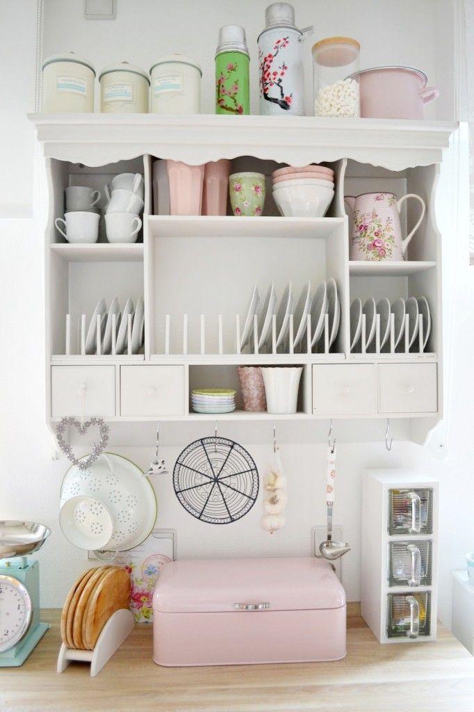 panera rosa vintage para guardar el pan y decorar la cocina
