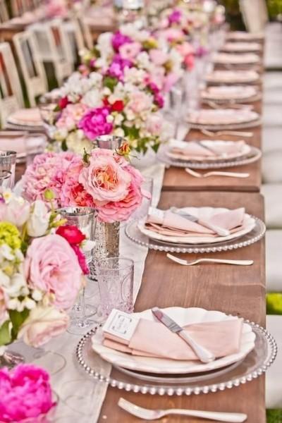 camino de mesa con flores